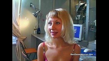 Пацан выполнил желание развратной рыжухи и удовлетворил ее больным, анальным порно