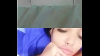Парнишка подвез молодую девчушку и вдул ей на крупный кроватки